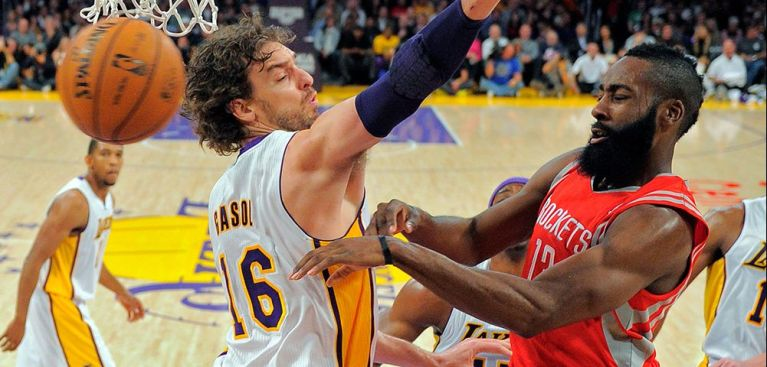 2013-04-16T21-45-33_lakers-rockets-hero-preview-120412